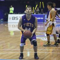 Familiar face: Shiga guard Jumpei Nakama, seen in this file photo from the 2010-11 season when he played for the Tokyo Apache, has been a key contributor since the bj-league's inception in 2005. | KAZ NAGATSUKA
