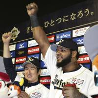Never felt better: Buffaloes slugger Wily Mo Pena leads the Pacific League in home runs and has been a major piece of Orix's fast start. | KYODO