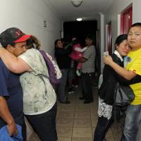 Powerful quake kills five in Chile