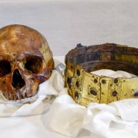 The skull and crown of King Erik IX. | REUTERS
