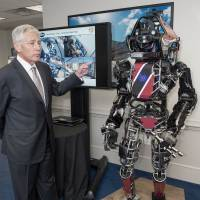 Pentagon shows off life-size robot