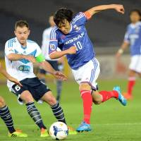 Marinos edge Melbourne for first ACL win