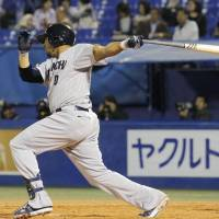 Luna powers Dragons past Swallows, helps Asakura end winless drought