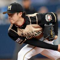 Coming out of nowhere: Naoyuki Uwasawa pitches against the Buffaloes on Wednesday in Osaka. | KYODO