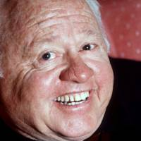 Movie star Mickey Rooney dies at 93
