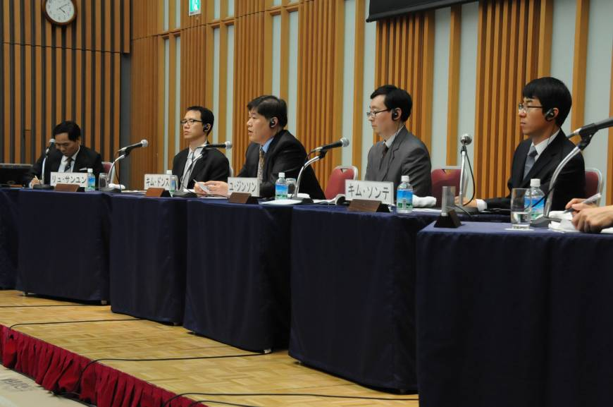 korean wave being south korea's economic 1department of curriculum, korea institute for curriculum and evaluation, seoul, korea (south) 2department of political science and diplomacy, hankuk university of foreign studies, se oul, korea (south) abstract: in recent years, there has been an influx of korean popular culture throughout the.