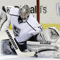 Kings cruise to series win