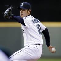 Iwakuma gets no decision for gem as Rays rally to win