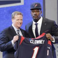 Texans take Clowney No. 1