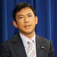 U.S. experts  back Abe on SDF role