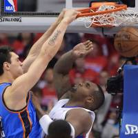 Hot-shooting Thunder sink Clippers