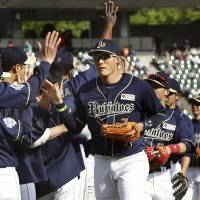 What's missing?: The Orix Buffaloes have excelled in the field but not in the stands so far this season. | KYODO