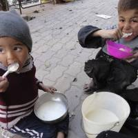 Syrians fret over taste of war food