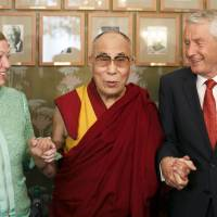 Norway shuns Dalai Lama, hoping to mend China ties