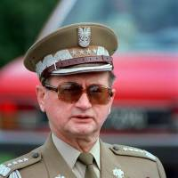 Poland's last communist ruler, Wojciech Jaruzelski, dies at 90