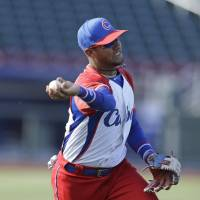 Cuban infielder Gourriel embraces challenge of playing for BayStars