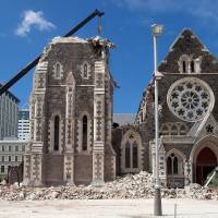 New Zealand offers cash for move to quake city