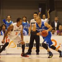 Osaka overpowers Shiga in second half, triumphs in Game 1