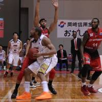 Fukuoka coach Duncan reflects on team's eventful season