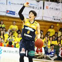 Solid game: Shinshu guard and floor leader Takato Saito had 14 points for the Brave Warriors in Game 2 on Sunday afternoon. | NORIKO AKAIKE