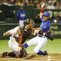 Ishikawa sparks BayStars with bat, glove in win over Giants