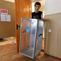 Kiev to east Ukraine: Rebel vote for self-rule would be catastrophe