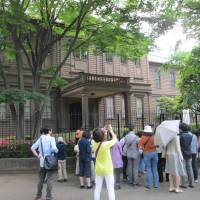 Culture vultures: Visitors take part in a tour during last year's Ueno Museum Week.