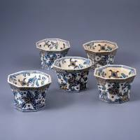 Dutch blues: Kenzan ware 'Oranda style Mukozuke Dishes with Flower Design' (18th century). | IDEMITSU MUSEUM OF ARTS