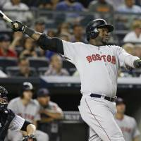Ortiz helps Red Sox top Yankees