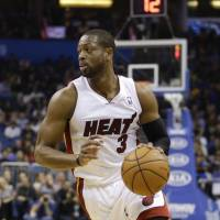 Wade, Bosh tell Heat they will become free agents