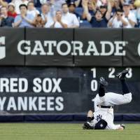 Nuno bounces back to lead Yanks to win over Red Sox