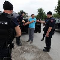 Albanian cannabis growers, 800 police battle in lawless village of Lazarat