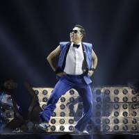 'Gangnam' tops YouTube hit list