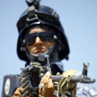 Iraq military meltdown blamed on graft, politics