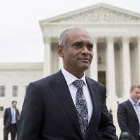 Big broadcasters vanquish upstart Aereo at U.S. Supreme Court