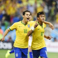 Neymar scores twice as Brazil begins World Cup by beating Croatia