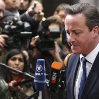 British official denies that Cameron threatened to move up EU vote