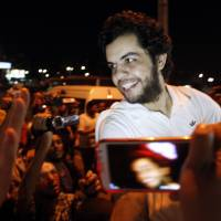 Egypt releases hunger-striking Jazeera journalist