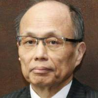 Former Cabinet Legislation Bureau chief Komatsu dies at 63