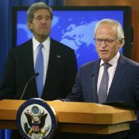 U.S. Mideast envoy Indyk quits after peace deal bid