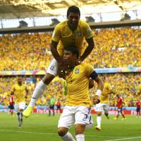 Brazil defeats Colombia 2-1 to reach semifinals