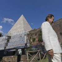 Japanese businessman thanks Italy with restored pyramid