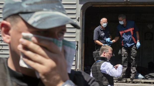 Dutch anger grows at treatment of bodies in plane downed over Ukraine
