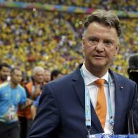 Van Gaal jets in, starts work at Man United