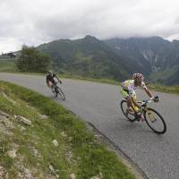 Majka claims 17th stage; Nibali retains lead