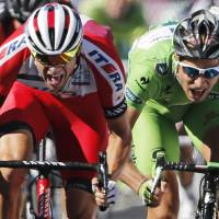 Kristoff takes stage as Nibali holds lead