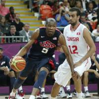 U.S. revamps hoops roster