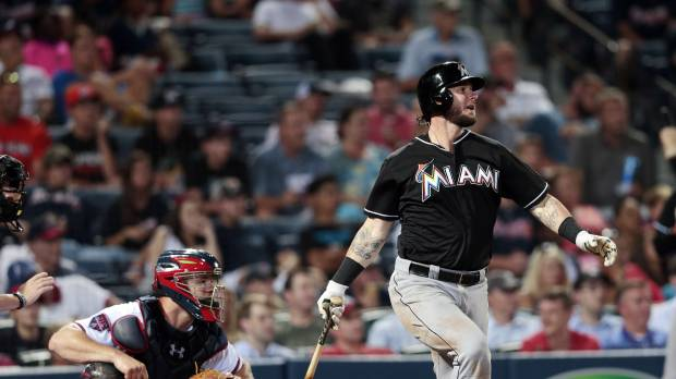 Saltalamacchia lifts Marlins to win over Braves
