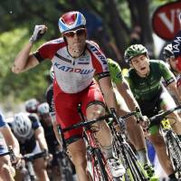 Kristoff races past rivals in Stage 15