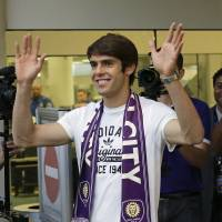 Kaka quits AC Milan for Orlando
